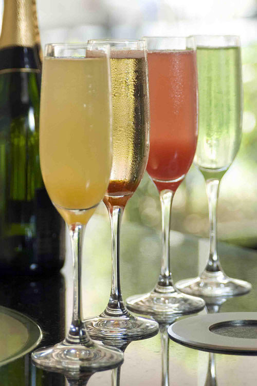 sparkling wine and champagne cocktails