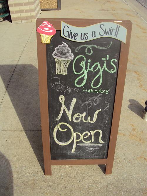 gigi's cupcake sign