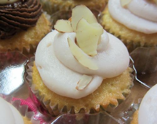 charm city cupcakes almond raspberry cupcake