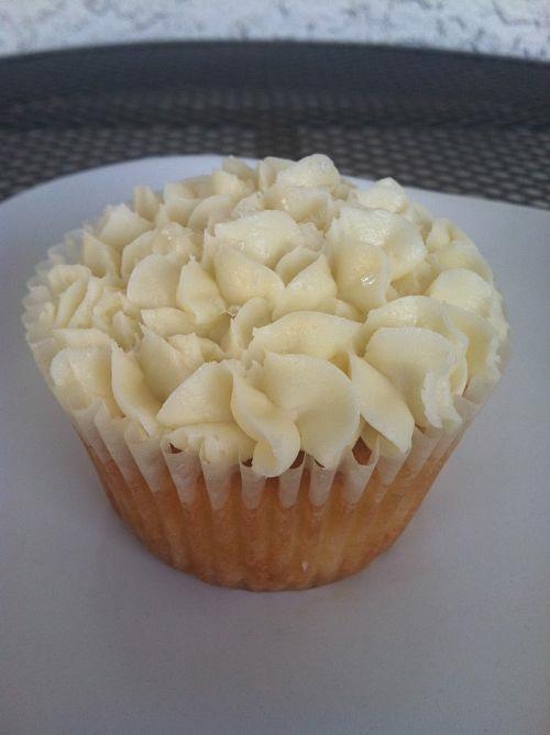 vanilla cupcake clock tower bakery overland park kansas