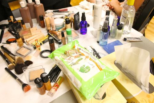 makeup and seventh generation towelettes backstage at fashion for a cause kansas city