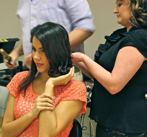 miss kansas usa jaymie stokes hair backstage at fashion for a cause kansas city