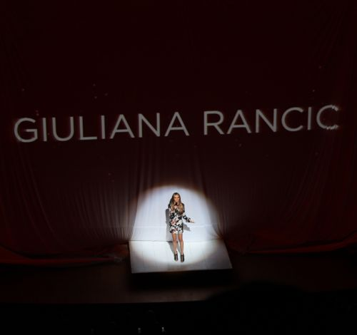 giuliana rancic hosts fashion for a cause kansas city